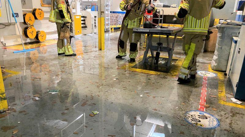 Gesprongen leiding houdt brandweer lang bezig