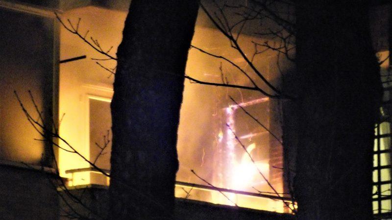 Brand in flatwoning door vuurwerk