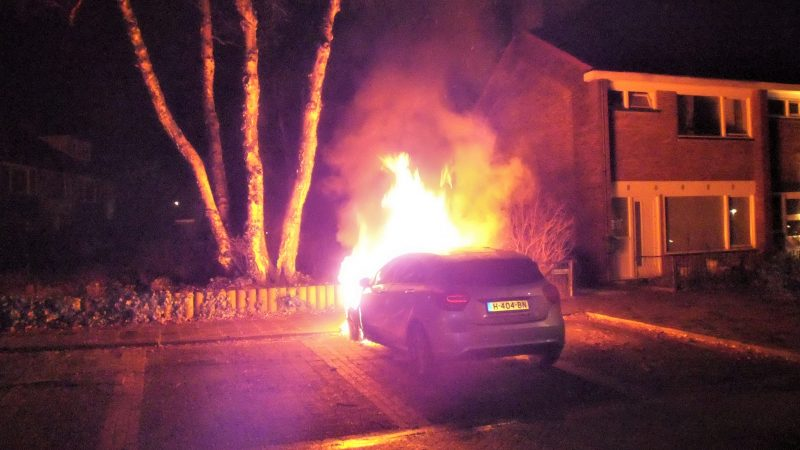 Auto total-loss door brand in Soesterberg