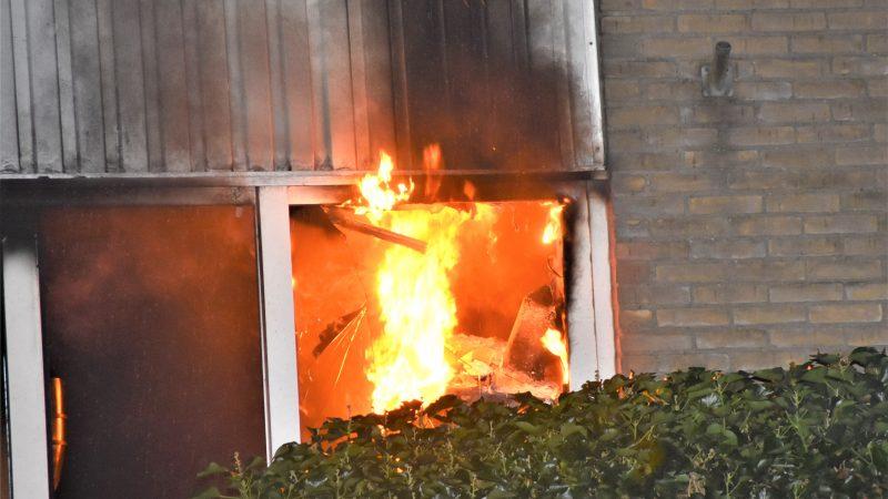 Bewoner naar ziekenhuis na keukenbrand